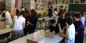 Alumnos del Colegio Portocarrero en plena faena