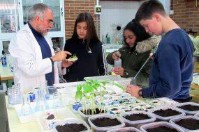Un proyecto implica a más de 200 participantes y expertos para reducir la contaminación de productos de limpieza