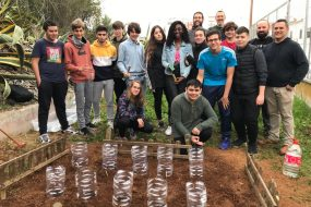 Un proyecto convierte un huerto escolar en un laboratorio para medir los efectos del cambio climático